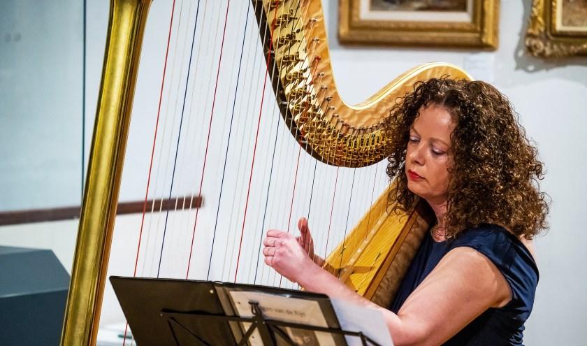 • Carla Bos speelde de 'Sagen van de Rijn'.