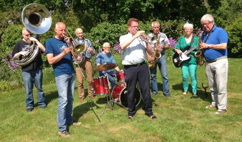 • De Pensionados zijn vrienden die samen muziek maken.