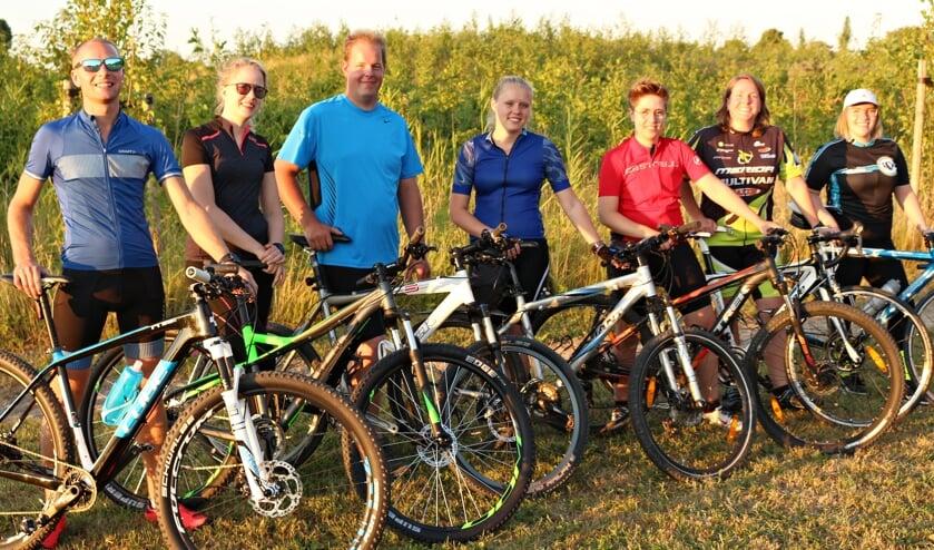 • Team Hut&Co, met derde van rechts Virginia Hoogendoorn.
