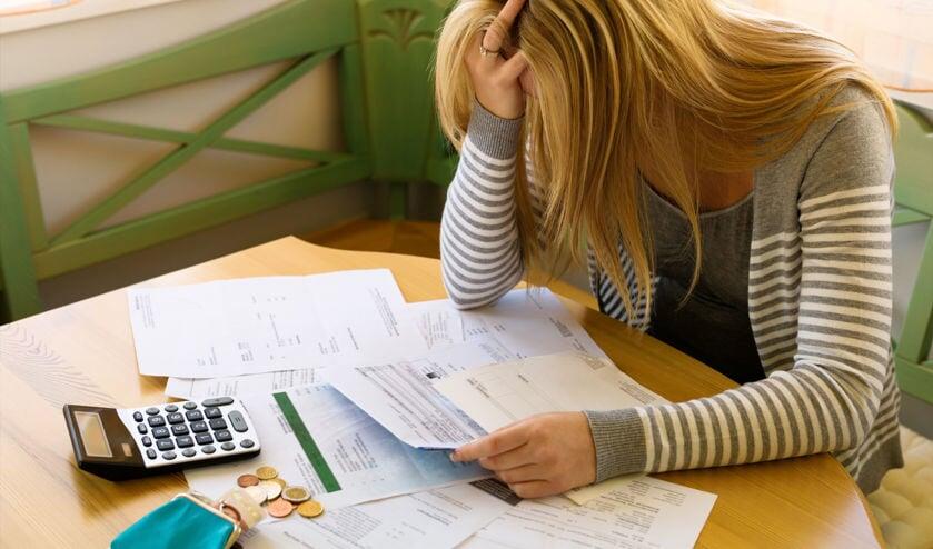 • Mensen met financiële problemen kunnen in sommige gevallen een beroep doen op gemeentelijke regelingen.