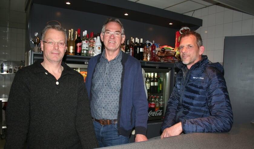 • Arjan van der Ham, Pel Sterk en Christiaan de Jong (v.l.n.r.) 'balen' van de situatie.