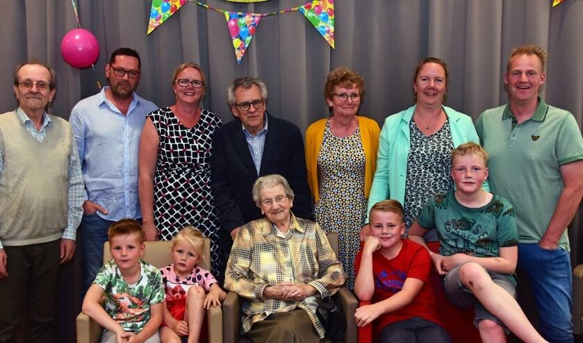 • Honderdjarige Reintje den Butter in het middelpunt van de belangstelling.