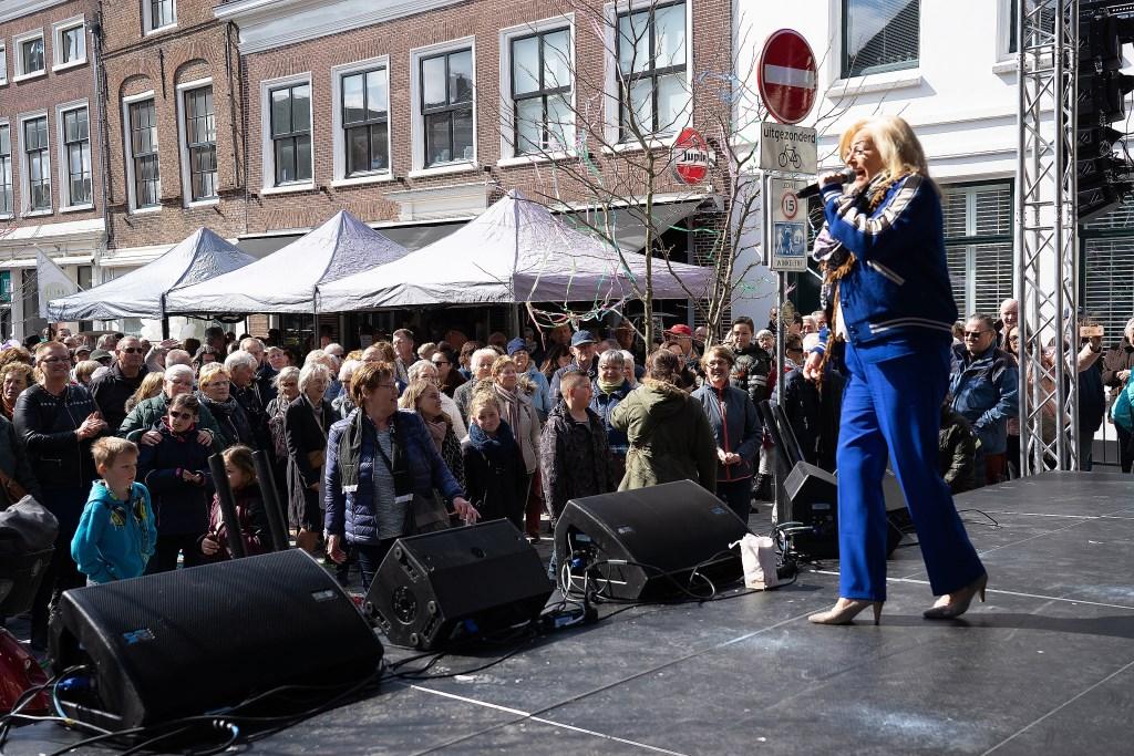 • Feestelijke heropening gerenoveerde Voorstraat Vianen. foto: Nico van Ganzewinkel  © Vianen