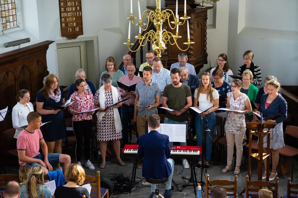 Paaszangdienst in de Hervormde Kerk in Everdingen Foto: Nico Van Ganzewinkel © Vianen
