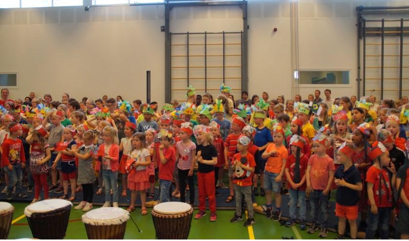 • De Klankenkaravaan verzorgde voor de hele school een 'muzikale wereldreis'.