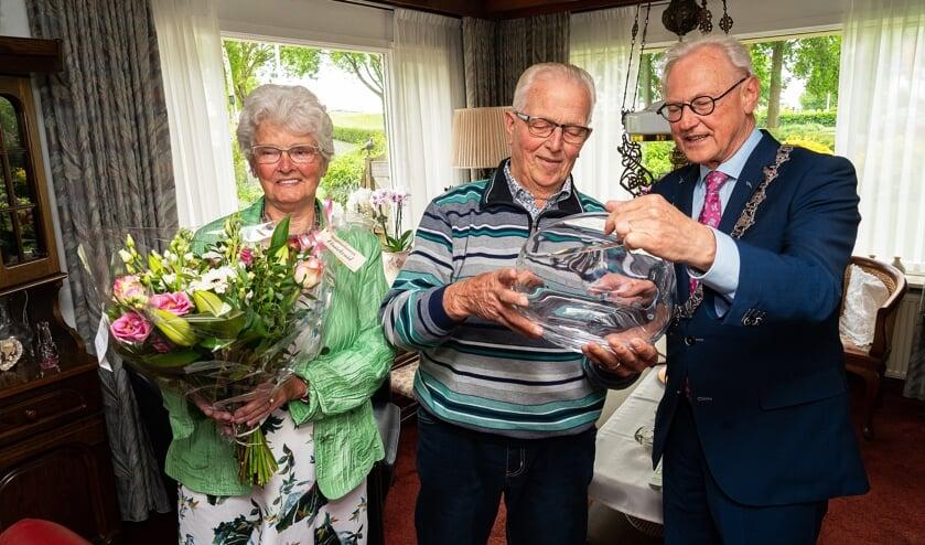 Echtpaar Van Meeteren-de Jong 60 jaar gehuwd