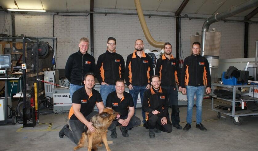 Bij Vos Kunststoffen worden onder andere gerecyclede platen bewerkt.