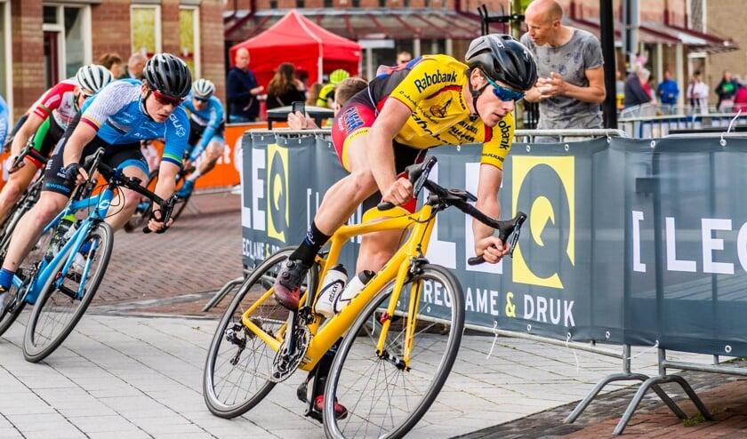 • Remco Schouten in actie tijdens de Ronde van Lekkerkerk in 2018.