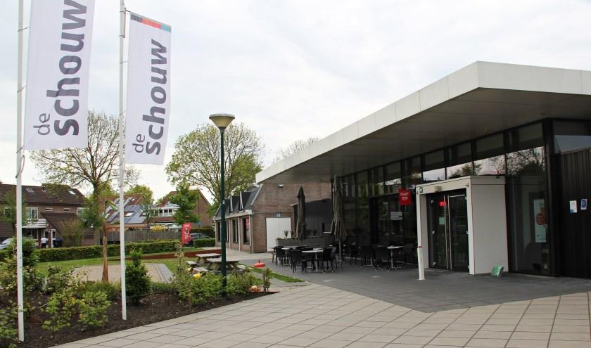 • De entree van Dorpshuis De Schouw.