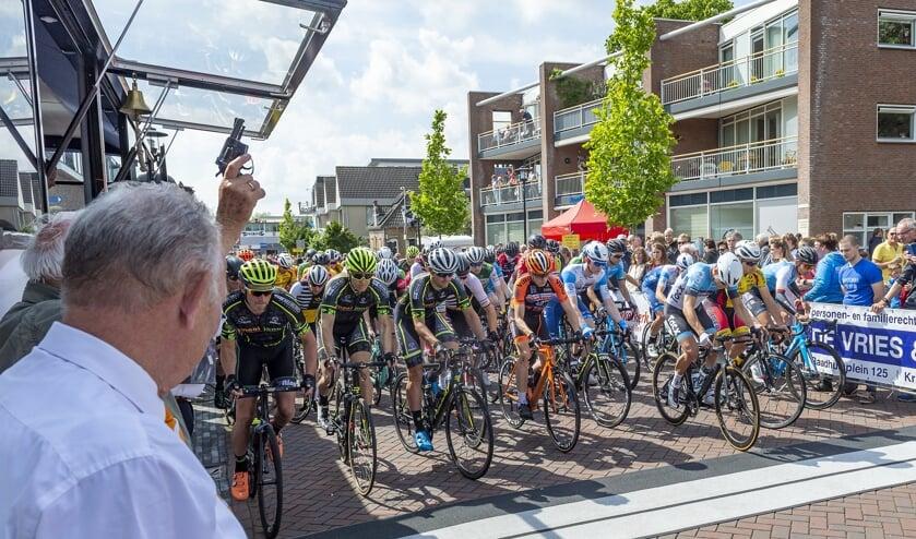 <p>&bull; Start van de Ronde van Lekkerkerk in 2019.&nbsp;</p>