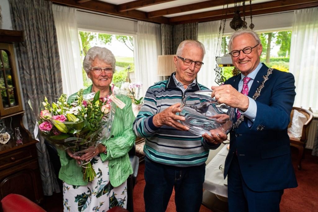 Echtpaar Van Meeteren-de Jong 60 jaar gehuwd Foto: Nico Van Ganzewinkel © Vianen