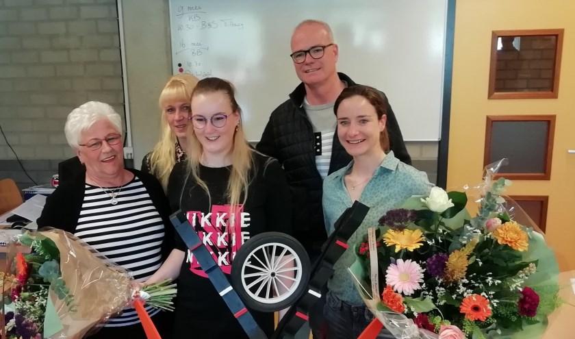 • Desree van Veen naast Marianne Vos. Desree's oma en haar ouders waren er ook bij.