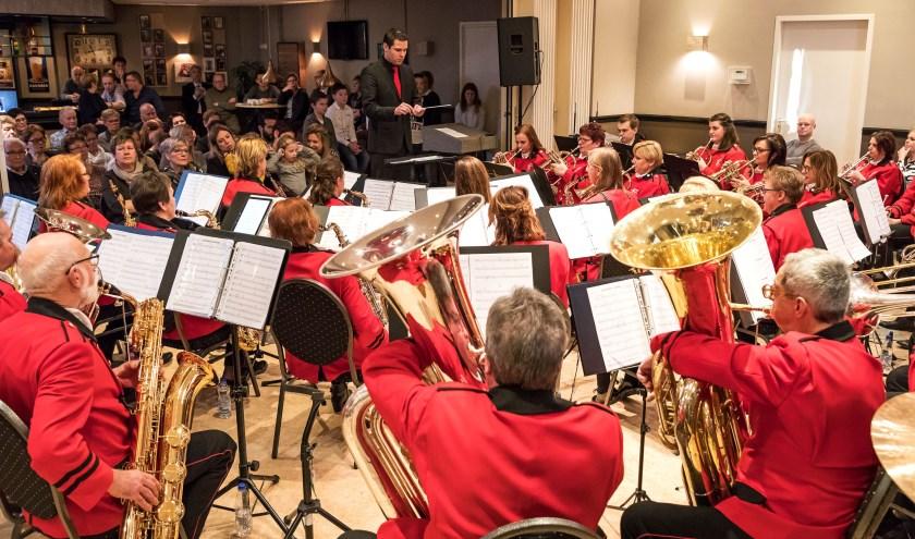 • Fanfare Alem tijdens een nieuwjaarsconcert.