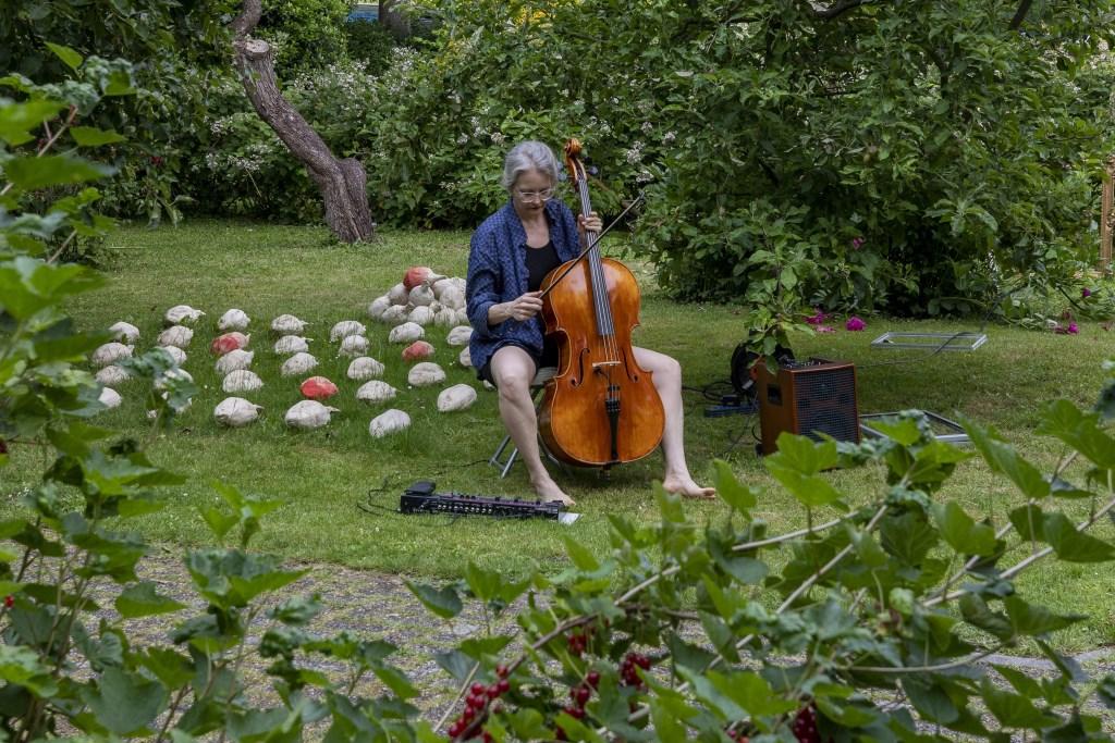• De opening vond plaats in de Beeldentuin aan de Marten van Rossemsingel. Foto: Jan Noorlandt © Bommelerwaard