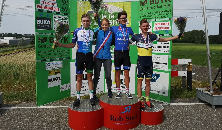 • Jens Bassa werd derde op het districtskampioenschap Zuid-Holland.