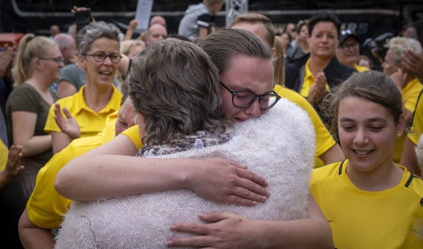 • Tranen bij aankomst in Krimpen aan den IJssel.