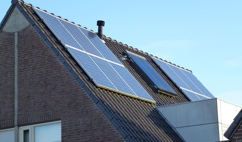 • Zonnepanelen bij een eerdere duurzaamheidsactie in Hoornaar.