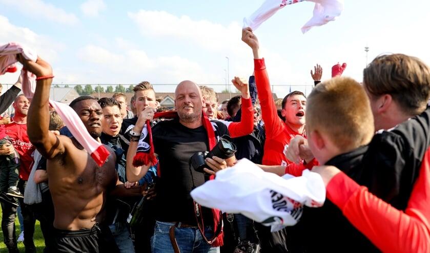 • Nacompetitiefinale De Zwerver-SV Meerkerk (2-2, DZ wint na strafschoppen)