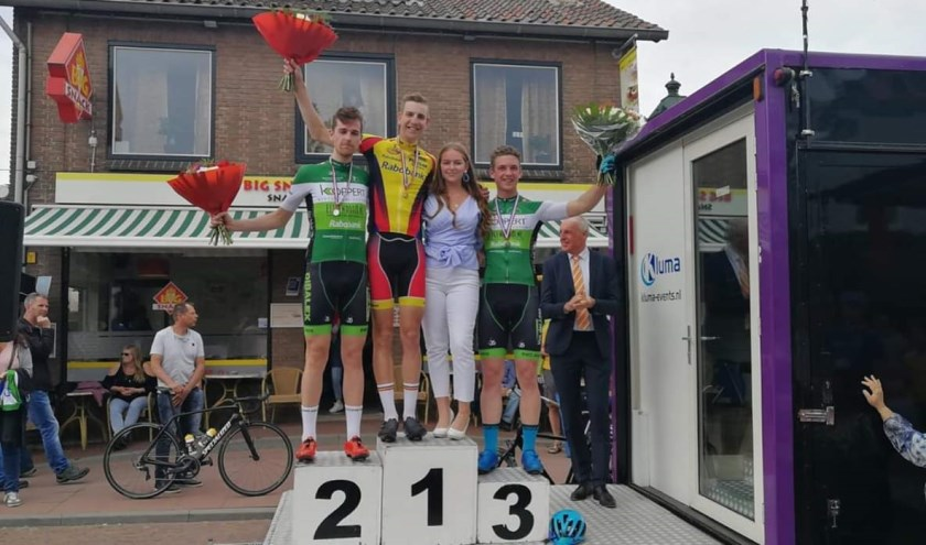 • Gert van der Grijn werd districtskampioen in de categorie amateurs.
