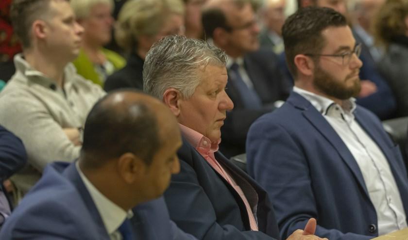 Een deel van de fractie van AltenaLokaal, met in het midden fractievoorzitter Philip den Haan.
