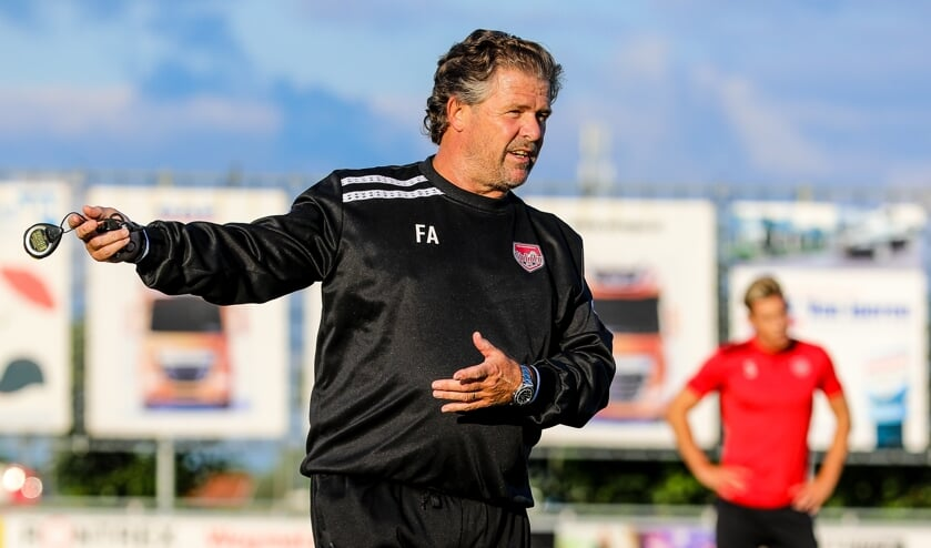 • SteDoCo-trainer Frans Adelaar.