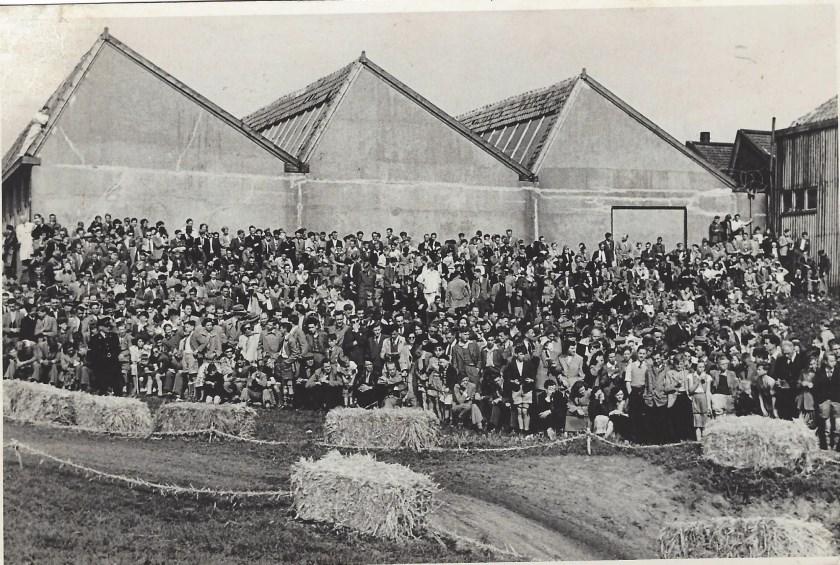 • In 1949 was de cross een waar spektakel, waar duizenden mensen op af kwamen.