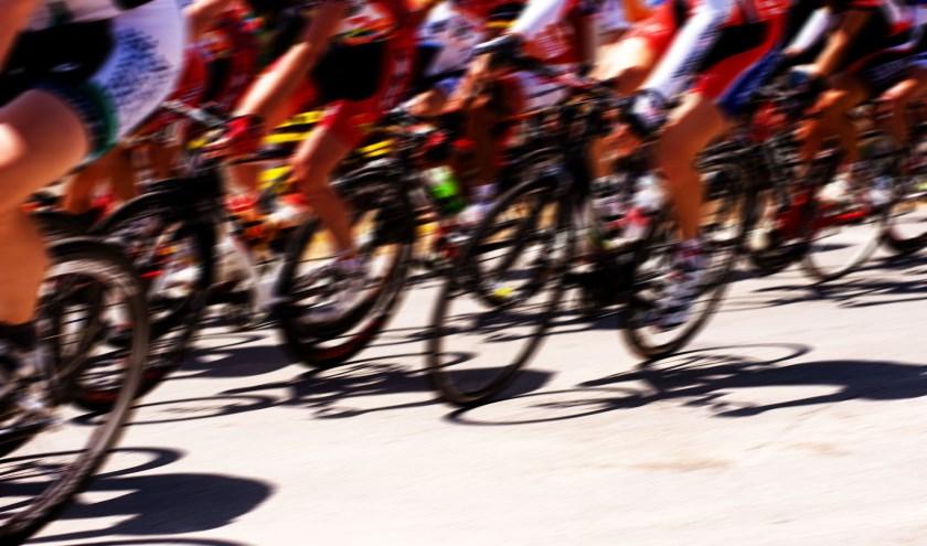 • Renners van Jan van Arckel kwamen aan de start in Rotterdam.