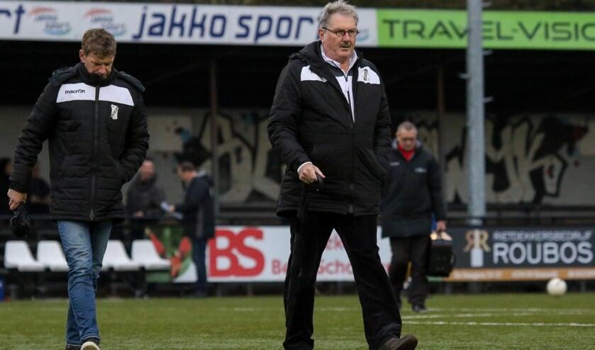 • Pieter Tuns als trainer van Sleeuwijk.