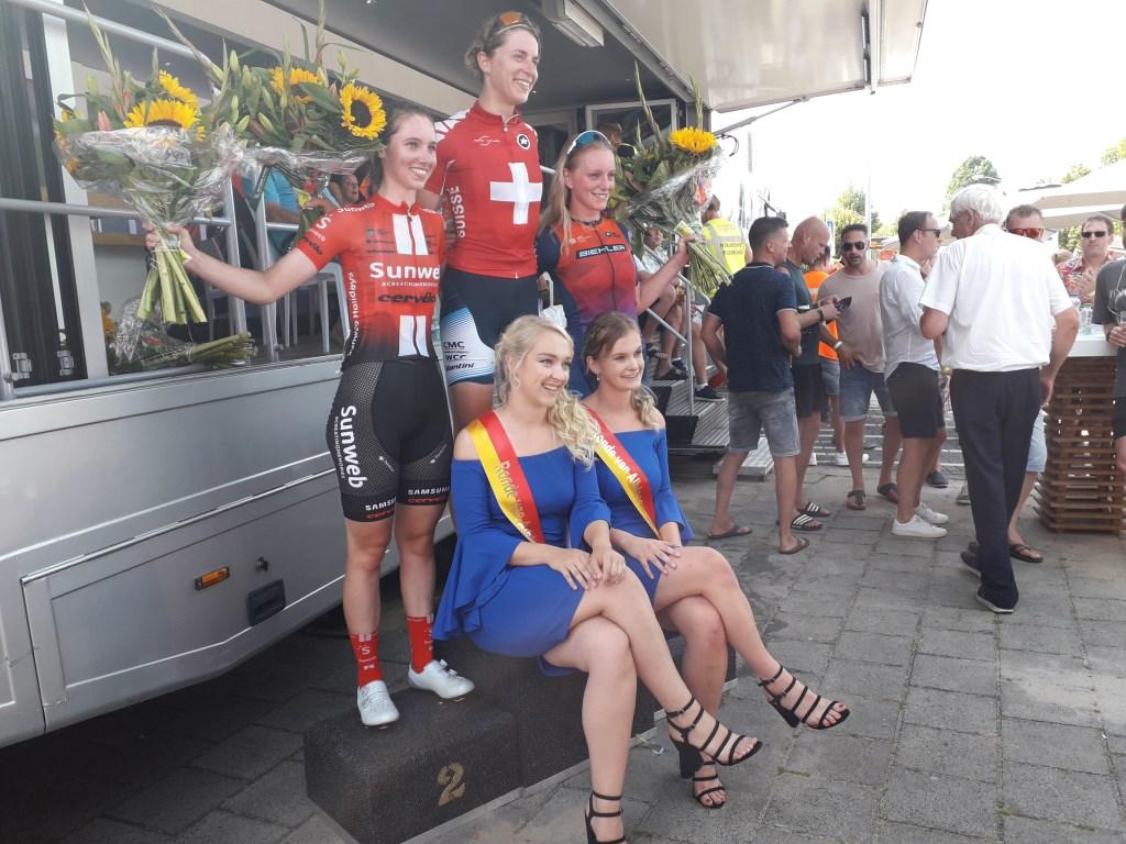 • Bij de dames won Marlen Reusser. Foto: Marco van Vlijmen © Klaroen