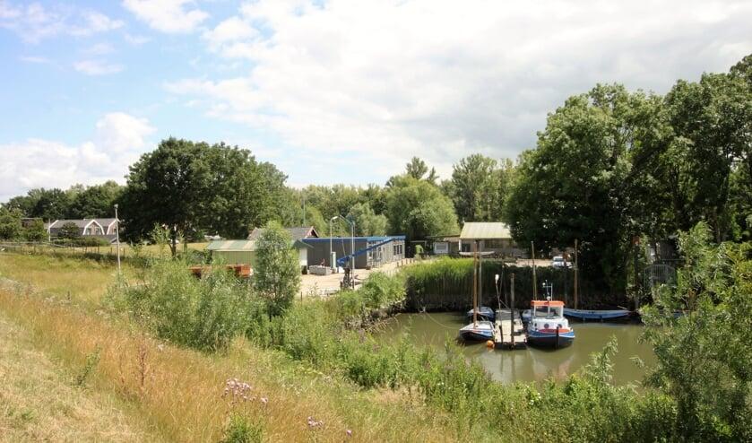 • Het IHC- en Stoommolenterrein langs de Lek bij Krimpen aan de Lek.