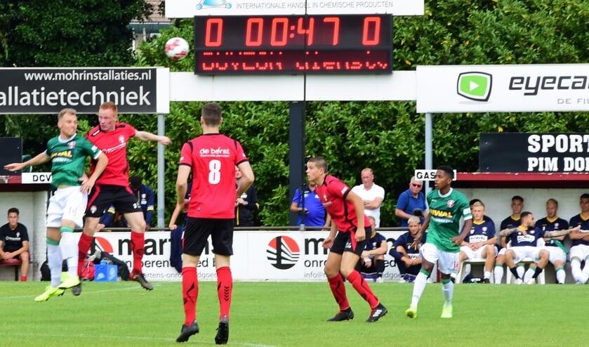 • DCV in het jubileumduel tegen FC Dordrecht.