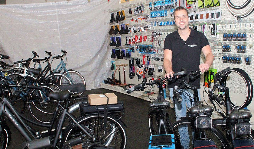 • Martijn Dekker is blij met het tijdelijke onderkomen van Kia Van Muilwijk.