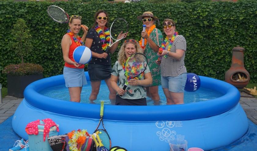 De vijf vrouwen van de toernooicommissie zijn voorbereid op de Huros Summergames.