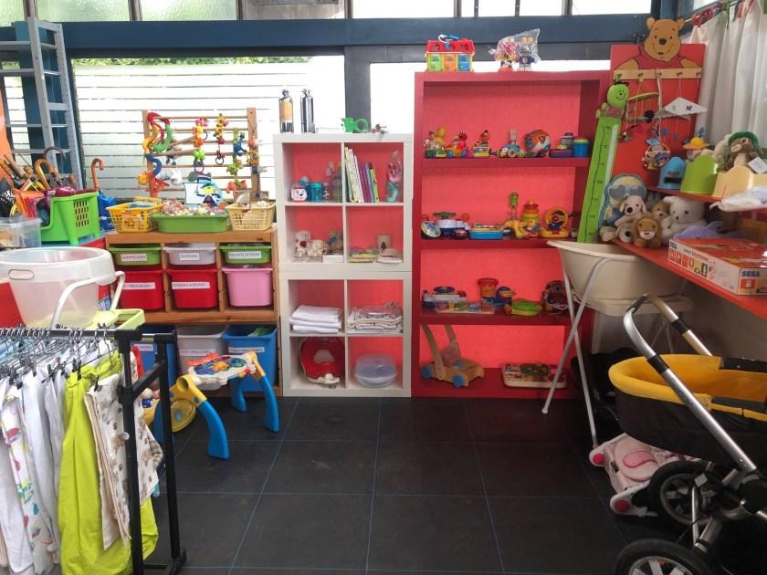 • De winkel is de afgelopen weken weer helemaal schoongemaakt en opnieuw ingericht.