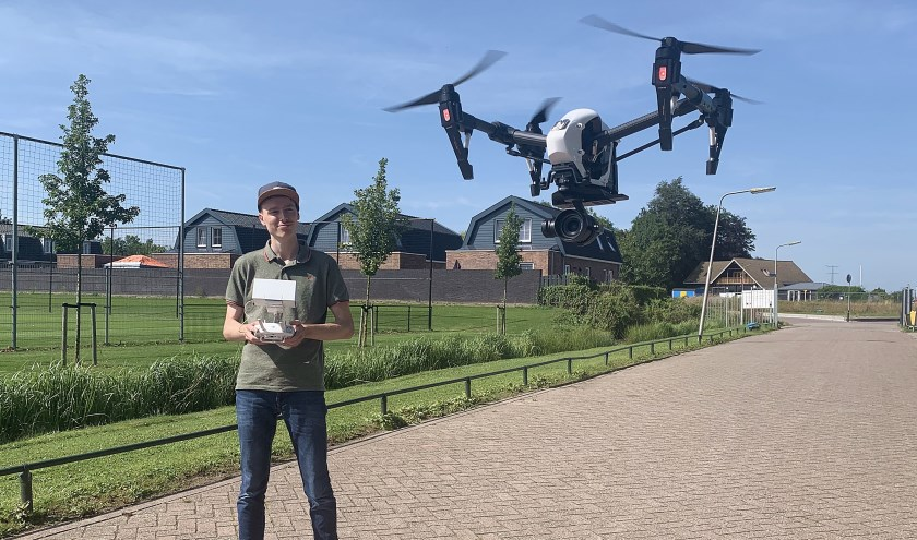 • Robin Lommerde in actie met een drone-camera.