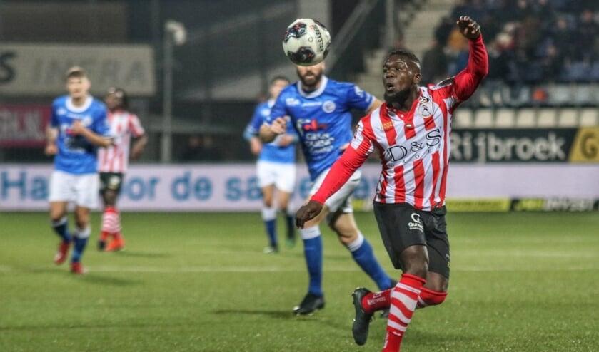 • Royston Drenthe afgelopen seizoen met Sparta in actie tegen FC Den Bosch.