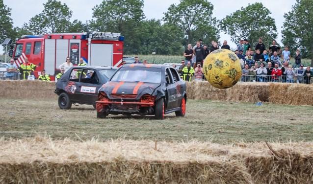 Autovoetbal Foto: Lya Cattel © Heusden en Altena