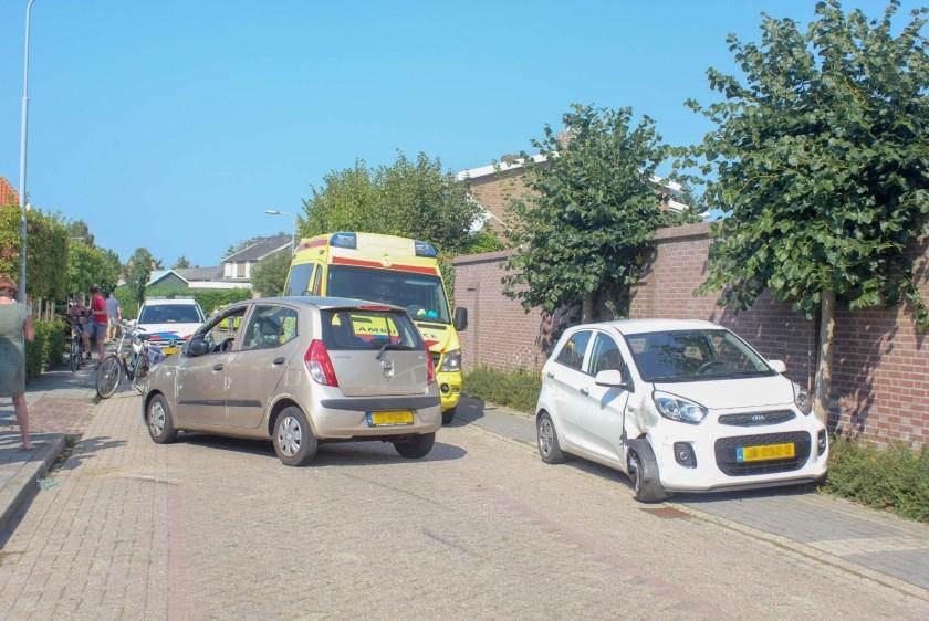• Een auto ramde een geparkeerde auto in Hedel.