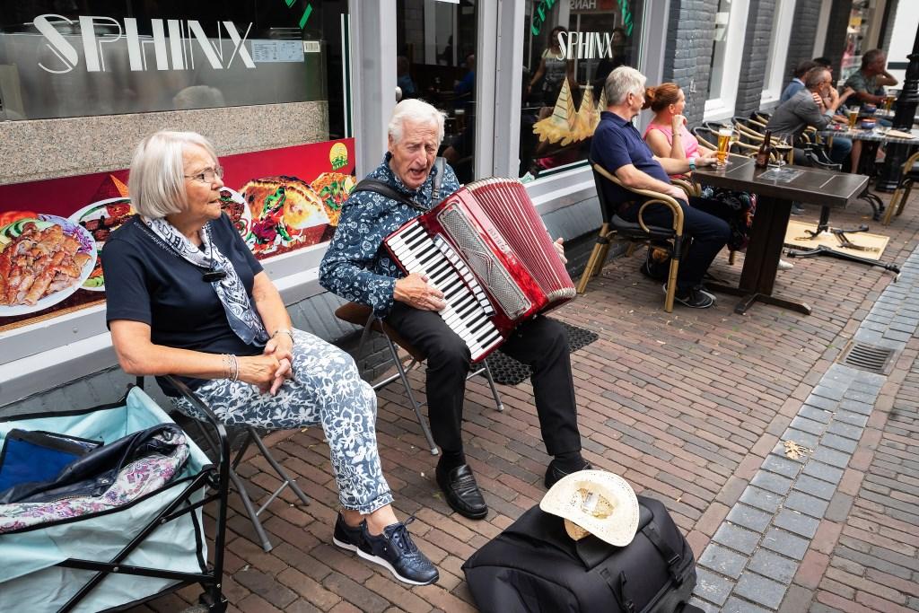 Zomermarkt Leerdam Centrum Foto: Nico Van Ganzewinkel © Leerdam