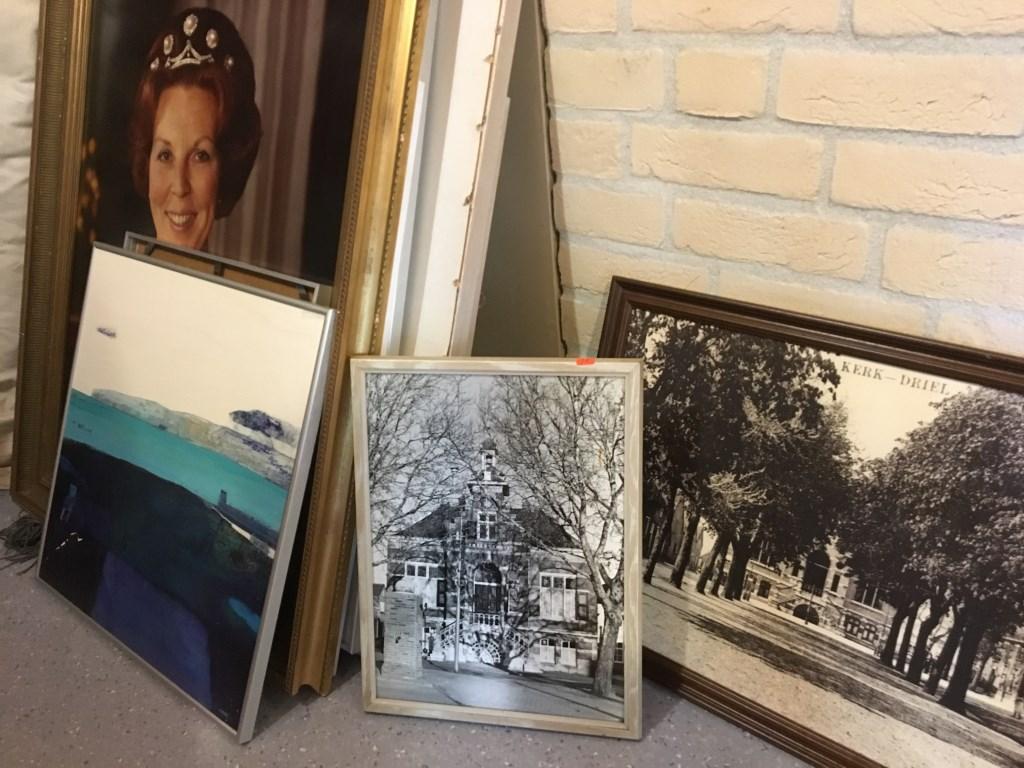 • Het portret van Beatrix gaat niet naar de veiling, de zwart-wit foto's ook niet. Foto: Britta Alink © Bommelerwaard