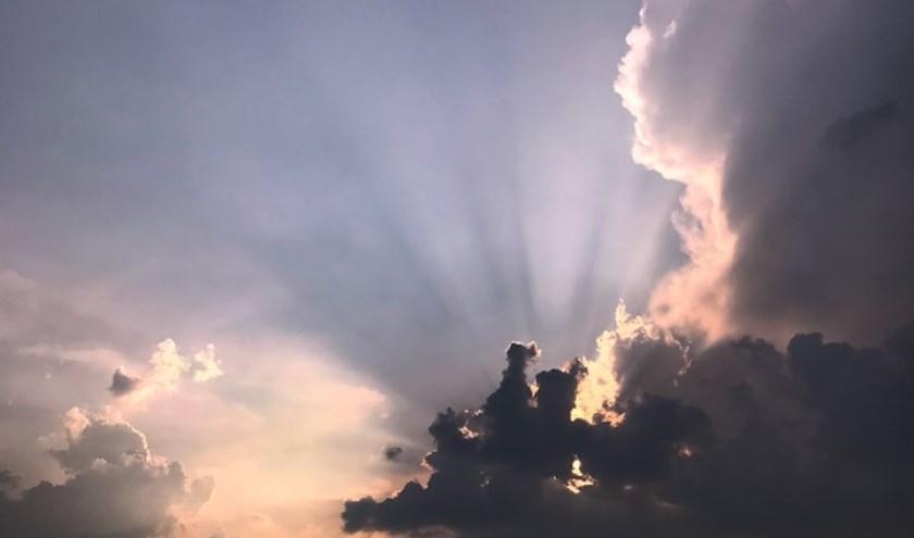 • Spectaculaire luchten afgelopen dinsdagavond in Leerdam.