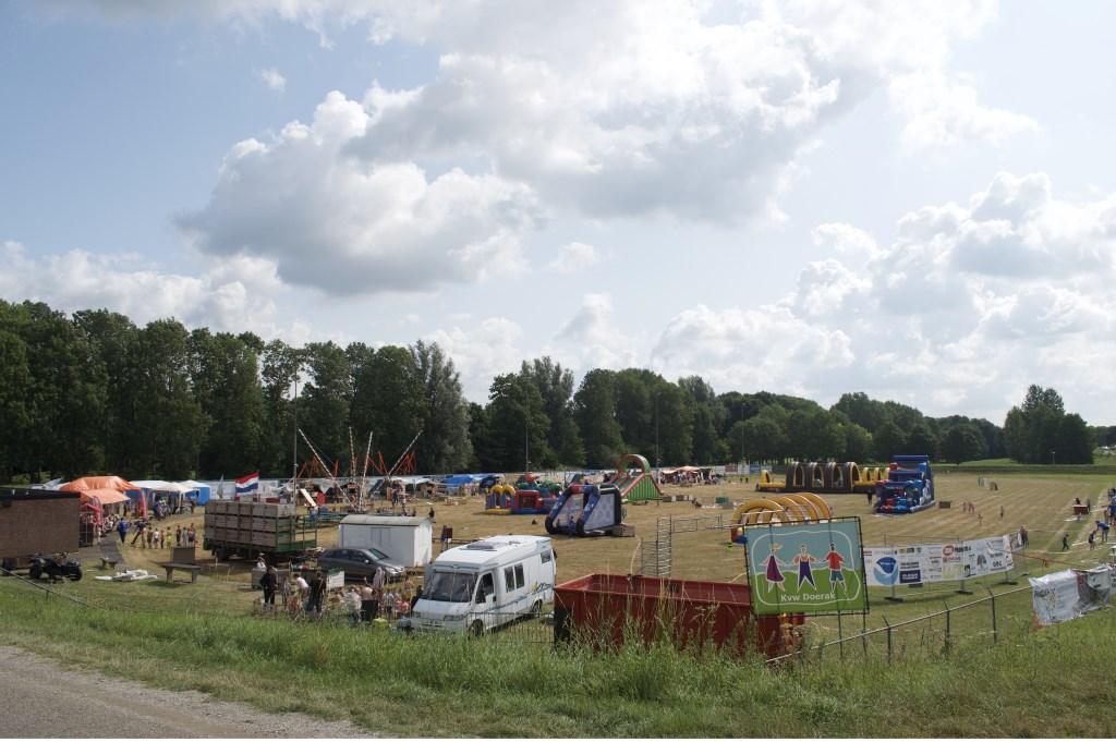 • Het terrein biedt een vrolijke aanblik. Foto: Kindervakantieweek Doerak © Bommelerwaard