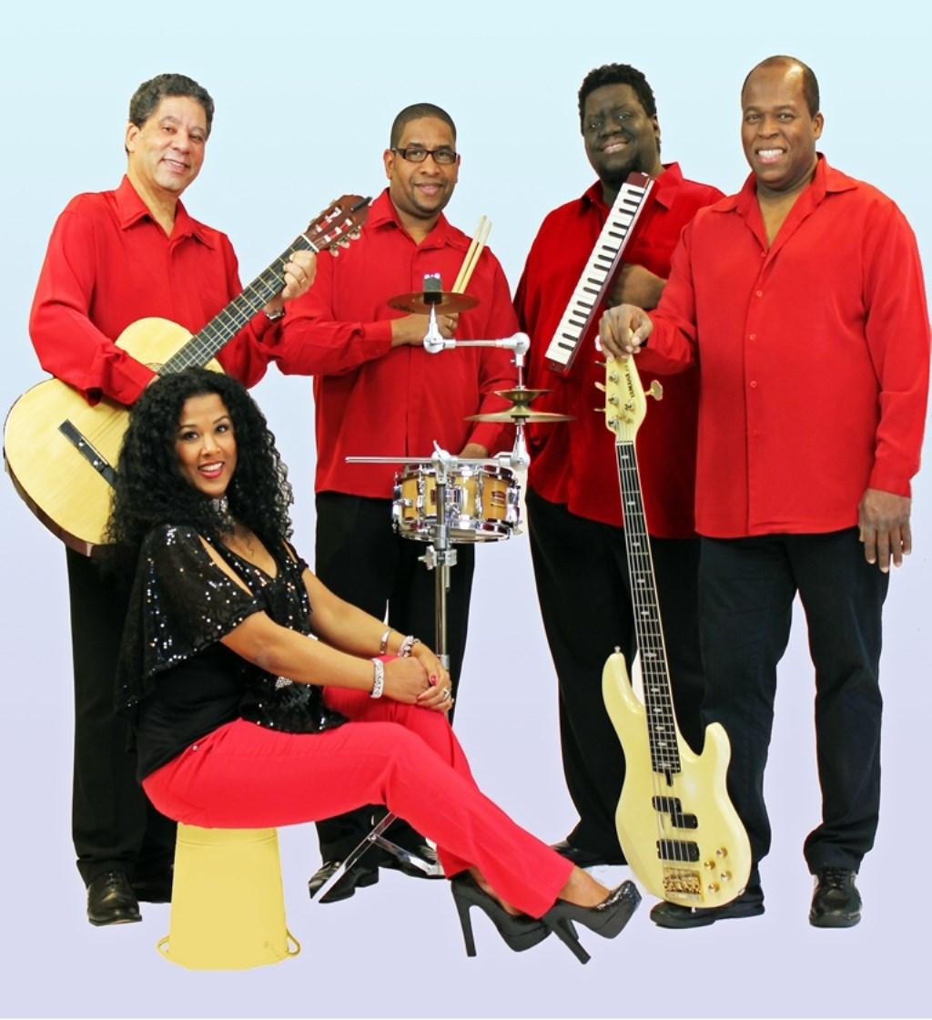 • De swingende allround band Suncere speelt zaterdag tijdens het Foodtruckfestival.