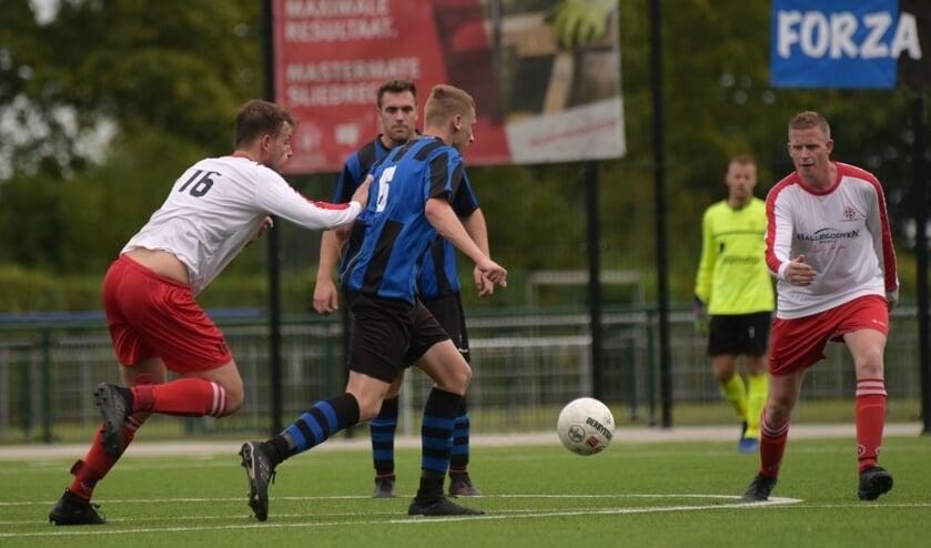 • Streefkerk - Dussense Boys (3-2).