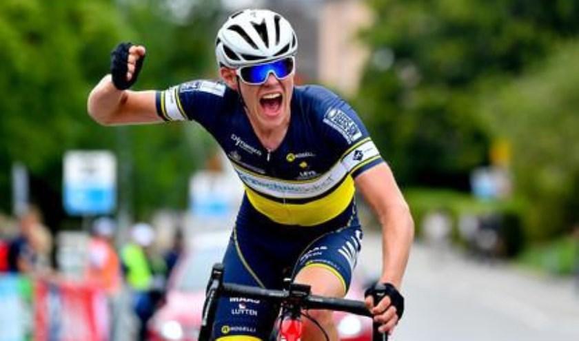 • Mooie etappezege Jens Bassa in Luxemburg.