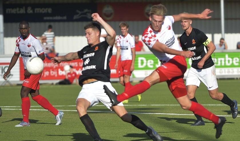 • Kozakken Boys - HHC Hardenberg (2-4).