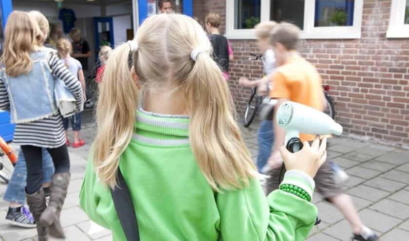 • De school gaat de uitdaging aan om minstens 75 apparaten in te zamelen.