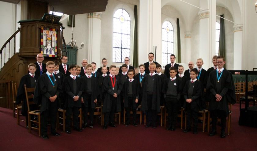 • Het Gorcum Boys Choir onder leiding van dirigent Jeroen Bal.