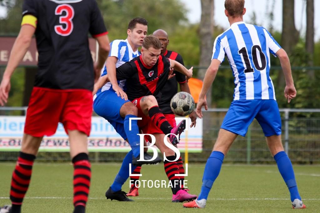 • Almkerk - Papendrecht (1-0). Foto: Bart Stoutjesdijk © regiosport