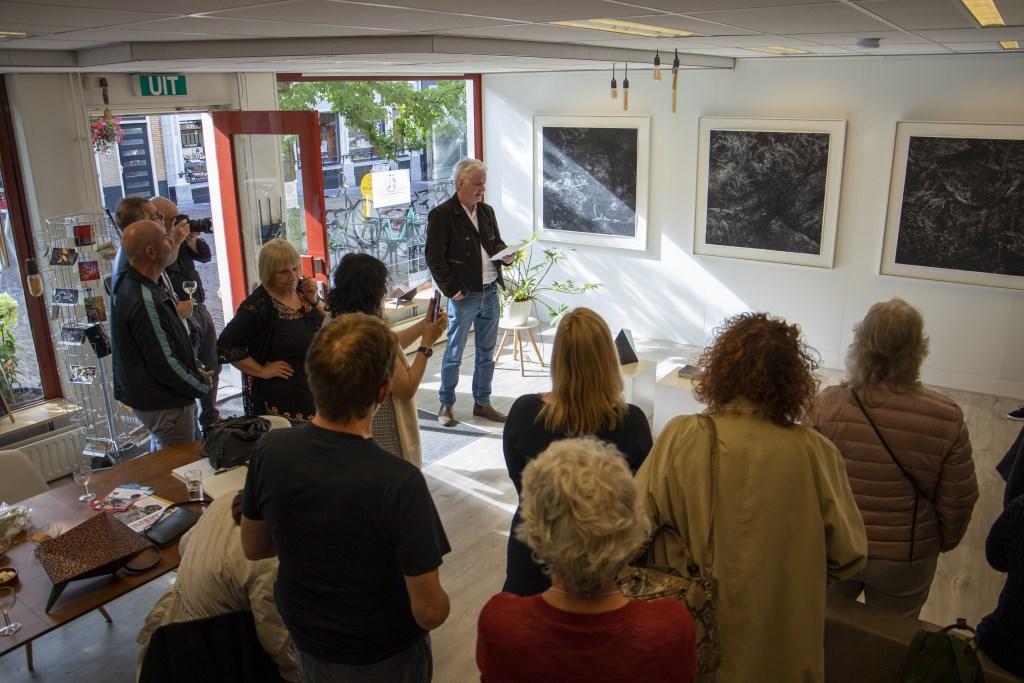 tte Jongstra tijdens de opening van solo-expositie Astrid van Rijn in De Kunstplaats Leerdam Foto: Heidi Timmer © Leerdam